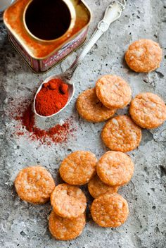 Parmesan biscuits with smoked paprika