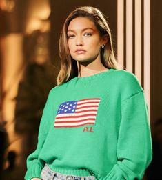 September Gigi Hadid at the backstage of the Ralph Lauren fashion show during in New York. Gigi Hadid Looks, Bella Gigi Hadid, Gigi Hadid Style, Gigi Hadidi, Gigi Hadid Pictures, Estilo Gigi Hadid, Gigi Hadid Outfits, Ralph Lauren, Vogue