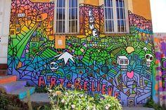 #colorful #facades in #Valparaiso #Chile --> more than 50 #graffiti here --> http://www.bobaroundtheworld.com/street-art-in-valparaiso-chile/
