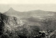 Really really old pictures of Cape Town Old Pictures, Old Photos, Vintage Photos, Cities In Africa, Cape Town South Africa, Table Mountain, Most Beautiful Cities, Historical Pictures, Antique Maps