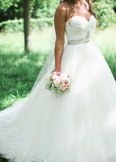 Beautiful wedding dress.. I can't wait to get married someday! Dream Wedding Dresses, Country Wedding Dresses, Perfect Wedding Dress, Elegant Wedding, One Shoulder Wedding Dress, Wedding Gowns, Free Wedding, Wedding Tips, Wedding Planning