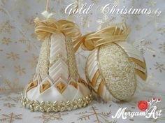 Falošný patchwork - zlatá séria na Vianoce Quilted Fabric Ornaments, Quilted Christmas Ornaments, Beaded Ornaments, Christmas Bells, Christmas Baubles, Christmas Crafts, Fabric Ribbon, Christen, Christmas Tree Decorations