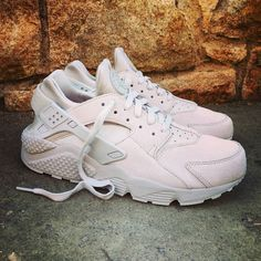"Nike Air Huarache Premium ""Neutral Grey"" Size Man - Price: 129 (Spain Envíos Gratis a Partir de 75) http://ift.tt/1iZuQ2v #loversneakers #sneakerheads #sneakers #kicks #zapatillas #kicksonfire #kickstagram #sneakerfreaker #nicekicks #thesneakersbox #snkrfrkr #sneakercollector #shoeporn #igsneskercommunity #sneakernews #solecollector #wdywt #womft #sneakeraddict #kotd #smyfh #hypebeast #nike #huarache #nikeair #huaraches"