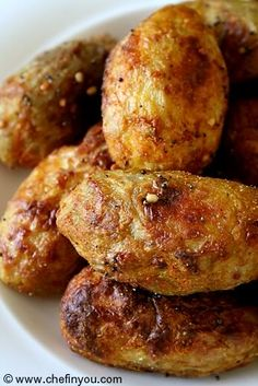 I ADORE taro, so you know I'm gonna try this variation. I'm used to eating taro sweetened so this is a change for me. Sounds like a good recipe! Read Recipe by countryfreckle Lunch Box Recipes, Side Recipes, Indian Food Recipes, Asian Cooking, Vegetarian Cooking, Vegetarian Recipes, Root Recipe, Recipe Mix, Yummy Healthy Snacks