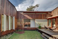 Marrickville Courtyard House by David Boyle Architect (via Lunchbox Architect)