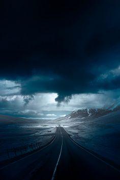 Path | 道路 | Chemin | путь | Sentiero | Camino | Dōro | Pasaje | проезд | Into the Blue