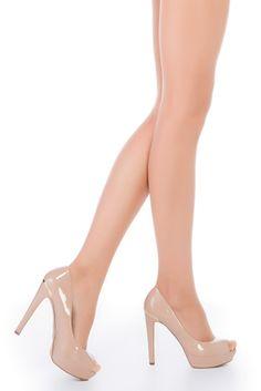 Punčochové kalhoty Premium Beige Punčochové kalhoty jsou nedílnou součástí outfitu každé dámy a někdy bývá problém pořídit ty správné tak, aby vyhovovaly všem požadavkům. Kalhoty Premium vše splňují. Jsou velmi tenké, hedvábně matné, bez zesíleného sedu s plochými švy, takže je lze vzít i pod upnuté šaty. Nemají ani zesílenou špičku a jsou transparentní, takže se je nemusíte obávat vzít do vašich oblíbených bot s otevřenou špičkou. Prvotřídní kvalita s vysokým podílem elastanu zajistí, že… Stiletto Heels, Peep Toe, Beige, Shoes, Fashion, Moda, Zapatos, Shoes Outlet, Fashion Styles