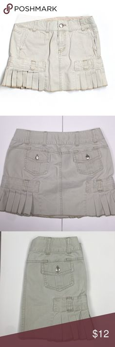 "American Eagle Denim Skirt Gorgeous beige denim skirt. Size 0. Approximately 12"" in length. 100% cotton. In perfect conditions. American Eagle Outfitters Skirts Mini"
