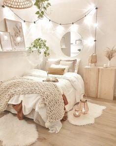 Cute Bedroom Decor, Room Design Bedroom, Bedroom Decor For Teen Girls, Apartment Bedroom Decor, Stylish Bedroom, Room Ideas Bedroom, Small Room Bedroom, Bedroom Inspo, Cosy Bedroom