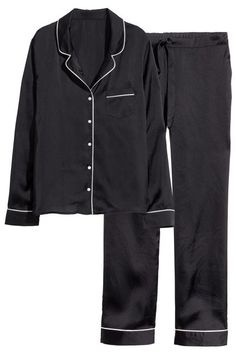 17 Pajamas Sets To Make That Extra Hour Of Sleep Even Better #refinery29  http://www.refinery29.com/pajamas-sets#slide-12  ...