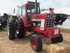 Red International Harvester 1466.