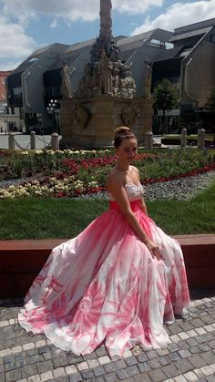 International vocal competition Mikuláš Schneider - Trnavský 1.prize Opera Singers, Ball Gowns, Competition, Tulle, Formal Dresses, Music, Skirts, Fashion, Fitted Prom Dresses