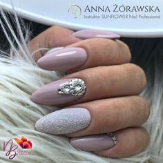 Wedding nails dream Miladies net is part of nails - Wedding nails dream Miladies net Perfect Nails, Gorgeous Nails, Cute Nails, Pretty Nails, Coffin Nails, Acrylic Nails, Hair And Nails, My Nails, Nail Art Strass