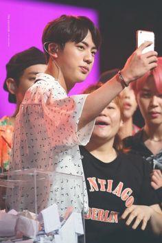 Jin 170804 Music Bank in Singapore K Pop, Seokjin, Bts Music Bank, Hip Hop, Rapmon, Worldwide Handsome, Trending Memes, Boy Groups, Taehyung