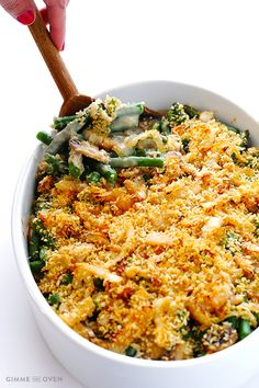 This Healthy Green Bean Casserole offers you a healthier take on the famous Thanksgiving side, although you don't know that when you eat but only when you make it! This casserole's taste might even be better than the regular green bean casserole. Healthy Thanksgiving Recipes, Thanksgiving Side Dishes, Healthy Recipes, Eat Healthy, Fall Recipes, Thanksgiving Green Beans, Thanksgiving Feast, Kraft Recipes, Healthy Meals