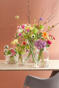 20 Trendy ideas for vintage wedding flowers arrangements beautiful Happy Flowers, Fresh Flowers, Spring Flowers, Beautiful Flowers, Wedding Flower Arrangements, Floral Arrangements, Bouquet Champetre, Vintage Wedding Flowers, Decoration Table