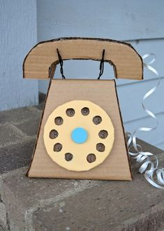 I LOVE THIS CRAFTY SITE! My daughter loves crafts, she is going to love this!