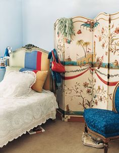 Teen Girl Bedrooms decorating tips and tricks Simply Exciting notes to organize a fantastically cool modern teen girl bedrooms headboards . The dreamy decor ideas generated on this creative moment 20190218 , Trick Idea reference 9181720089 Chinoiserie, Woman Bedroom, Girls Bedroom, Bedroom Ideas, Diy Bedroom, Boudoir, Frida Art, Teenage Girl Bedrooms, Teen Rooms