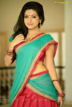 Get Actress Ragini Hot and Sexy Photos, Bikini Images HD Pictures New Sizzling Spicy Saree Bra Boobs Showing Pics with Cool Kissing HD Wallpapers Gallery. Cute Beauty, Beauty Full Girl, Beauty Women, Half Saree, Saree Styles, Indian Beauty Saree, Beautiful Indian Actress, Beautiful Women, India Beauty