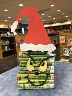 School Library Decor, School Library Displays, Library Humor, Elementary School Library, Library Themes, Library Work, Little Library, Library Ideas, Bookstore Design