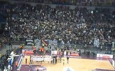 La locura del Partizan: una grada entera botando con los jugadores por una victoria (Vídeo)