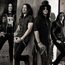"Slash - Dopo l'uscita di ""Apocalyptic Love"" e dopo l'indimenticabile esibizione sul palco del nostrano Gods Of Metal 2012, Slash featuring Myles Kennedy and The Conspirators torneranno in Italia per tre date da headliner. Slash, il più importante ed influente chit..."