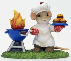 Charming Tails King of the Grill Mouse with BBQ Grill and Hamburgers Figurine