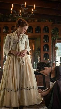 Brianna with Claire - wedding Outlander Wedding, Outlander Novel, Outlander Quotes, Outlander Tv Series, Fraser Clan, Jamie Fraser, Time Travel Series, James Fraser Outlander, The Fiery Cross