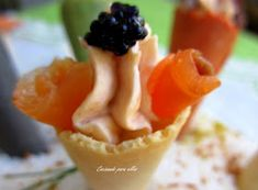 Cocinando para ellos : MINI CONOS COLORIDOS... Lidl, Canapes, Sin Gluten, Holidays And Events, Mashed Potatoes, Appetizers, Food And Drink, Pudding, Ethnic Recipes