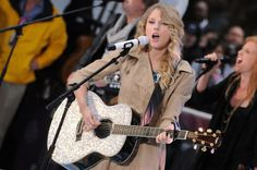 "Taylor Swift Photos - Taylor Swift Performs On NBC's ""Today"" - Zimbio"