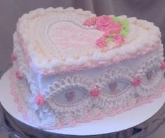 Pretty Birthday Cakes, Pretty Cakes, Cute Food, Yummy Food, Cute Desserts, Just Cakes, Love Cake, Sweet Cakes, Aesthetic Food