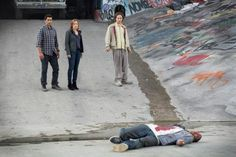 Spinoff - Fear The Walking Dead - first look. Kim Dickens (Gone Girl), Cliff Curtis (Trauma) and Frank Dillane (Harry Potter & the Half Blood Prince). Premiere summer 2015.
