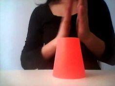 Rytmické hry s předměty všedního dne - Hry s kelímky: rytmus č. 2
