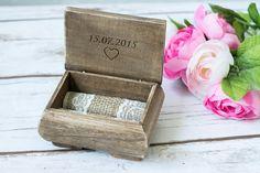 Ringschatulle Hochzeit Ring Box Kasten ehering box  Die Ring Box hat einen Sackleinen Ringkissen  Grösse ca 11cm x 6cm x 8cm  Sie würden die Box gern personalisieren lassen ? Graviert mit...
