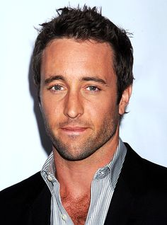 ALEX O'LOUGHLIN (Stop biting your lip like that… *drool*)  ♥♥♥ CBS summer press tour 2009