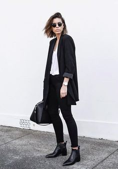Trendy how to wear ankle boots with jeans casual chic 49 Ideas Jeans Casual, Casual Chic, Casual Outfits, Black Blazer Outfits, Dress Casual, Casual Fall, Edgy Work Outfits, Winter Outfits, Casual Boots