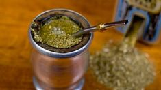 Yerba mate is a stimulant with an ingredient known as mateine, which is similar to caffeine, without some of the known side effects. The mateine in yerba mate can help increase your metabolism and increase your energy, thereby burning fat in the process. Yerba Mate, Cbd Hemp Oil, Weight Loss Tea, Guacamole, Food Videos, Fat Burning, Healthy Life, Brewing, Herbalism