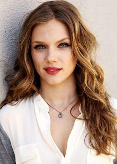 early Abigail (Tracy Spiridakos)