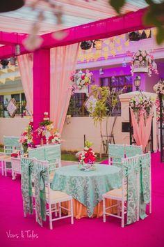23 Ideas wedding centerpieces blue pink flower arrangements for 2019 Blue Wedding Centerpieces, Indian Wedding Decorations, Table Decorations, Flower Decorations, Wedding Ceremony Backdrop, Wedding Table, Wedding Seating, Wedding Bride, Diy Wedding