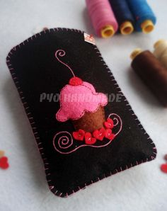 Lovely cupcake Pyo handmade felt cell phone by PyoHandmadeShop, $11.90