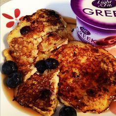 Perfect breakfast. Yogurt & Banana blueberry egg pancakes!@momtoaninja