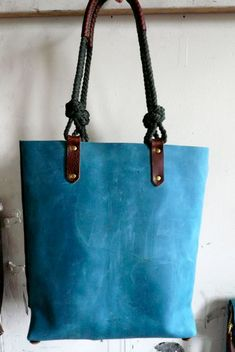 turquoise voyage tote