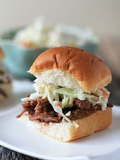 Delectable BBQ Beef sandwiches served slider style with sweet slaw. The perfect addition to your Super Bowl spread! Bbq Beef Sandwiches, Bbq Sandwich, Beef Sliders, Wrap Sandwiches, Baked Sandwiches, Sandwich Ideas, Sandwich Recipes, Southern Wedding Food, Southern Food