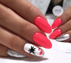 False nails have the advantage of offering a manicure worthy of the most advanced backstage and to hold longer than a simple nail polish. The problem is how to remove them without damaging your nails. Cute Nails, Pretty Nails, Hair And Nails, My Nails, Beach Nails, Beach Vacation Nails, Glitter Nail Art, Nail Decorations, Nail Stamping