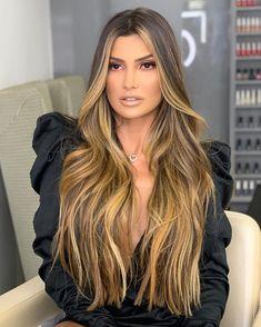 Perfect Brown Highlights on Blonde Balayage Hair for 2020 Brown To Blonde Balayage, Dyed Blonde Hair, Balayage Hair, Hair Dye, Long Hair Highlights, Brown Highlights, Lace Hair, Silky Hair, Beautiful Long Hair