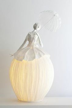 For nearly 10 years, Sophie Mouton-Perrat and Frédéric Guibrunet have combined soft lighting with delicate paper craft to create ethereal sculptures. Working under the name Papier à êtres,Artists Without Borders Figurative Papier-Mâché Lamp Scu Paper Lampshade, Lampshades, Paper Clay, Diy Paper, Paper Mache Sculpture, Paper Sculptures, Paper Mache Crafts, Bespoke Design, Diy Art
