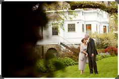 Could anything be more romantic than a wedding at Historic Deepwood Estate?  This 1894 Queen Anne Victorian is located in Salem, Oregon