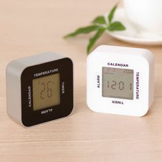 置き時計   ニトリ公式通販 家具・インテリア・生活雑貨通販のニトリネット 回転させて4つの機能 デジタル置き時計(NキューブLH)