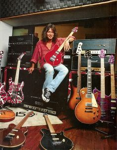 Its a Long Way to the Top if You Wanna Rock n Roll / Eddie Van Halen Eddie Van Halen, Alex Van Halen, Rock N Roll, Rock And Roll Bands, Music Guitar, Cool Guitar, Guitar Art, 80s Music, Music Icon