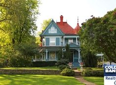 1900 Queen Anne located at: 203 E Hazelwood Ave, Waterville, KS 66548 Victorian Farmhouse, Modern Victorian, Victorian Homes, Historic Homes For Sale, Old Houses For Sale, Victorian Architecture, Old House Dreams, Queen Anne, My Dream Home